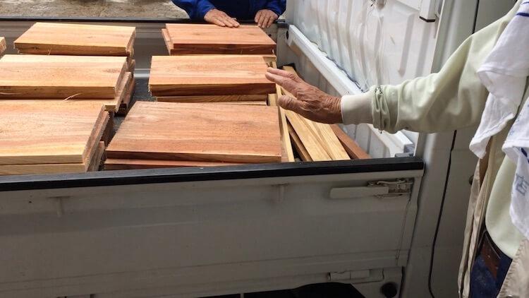 ミツバチの箱を杉板で作る2